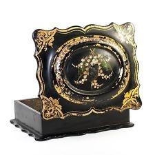 Caixa de jóias vitoriana de 1843 feita em papel machê